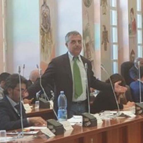 Vincenzo Granata Vicario ATO1 Cosenza:Basta con i privati, tariffe in aumento.